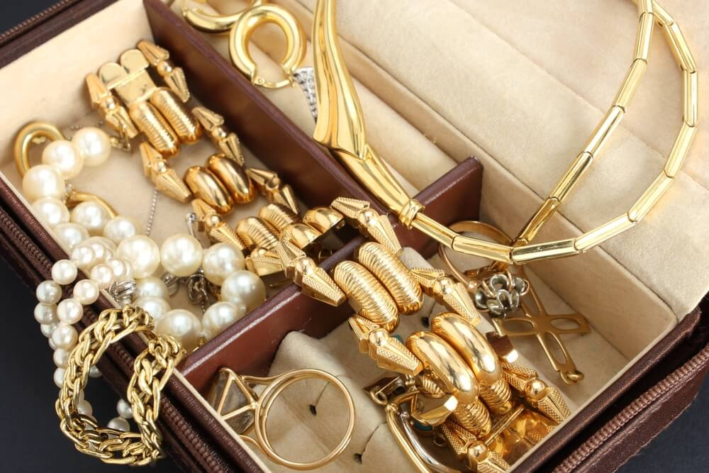 Protecting Jewelry During a Move Expert Moving Storage